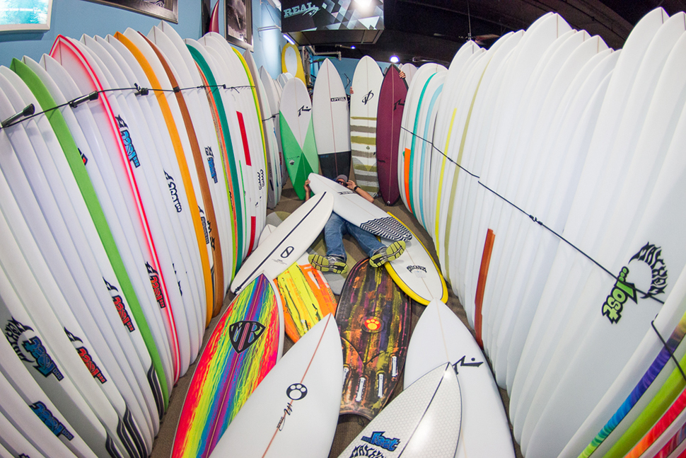HOW TO BUY A SURFBOARD